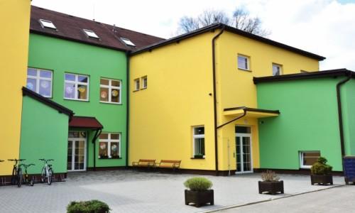 škola vchod